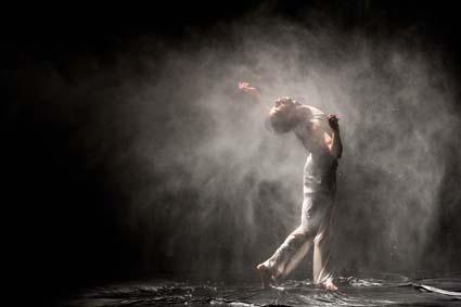 """""""The Old King"""" spettacolo creato da Miguel Moreira e Romeu Runa"""